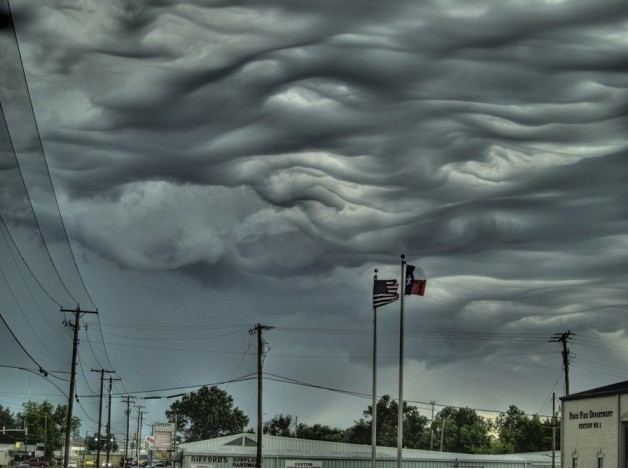 Amazing-cloud-formations-21-630x512