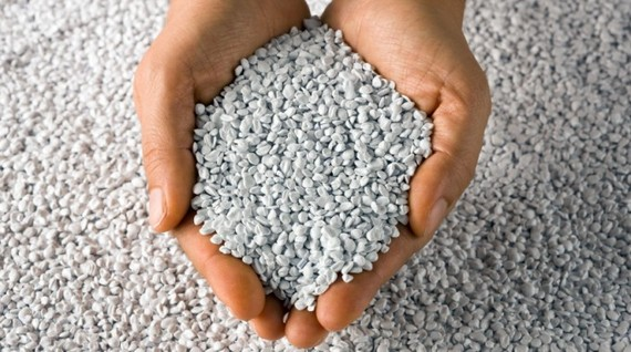 2016-11-08-1478564175-9405633-plasgranplasticrecyclingpellets21680x380-thumb