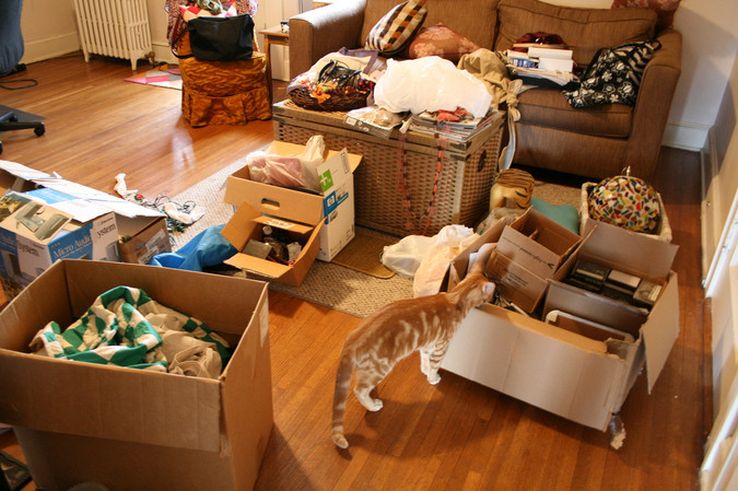 spring-cleaning-tips-clutter-2 (1)