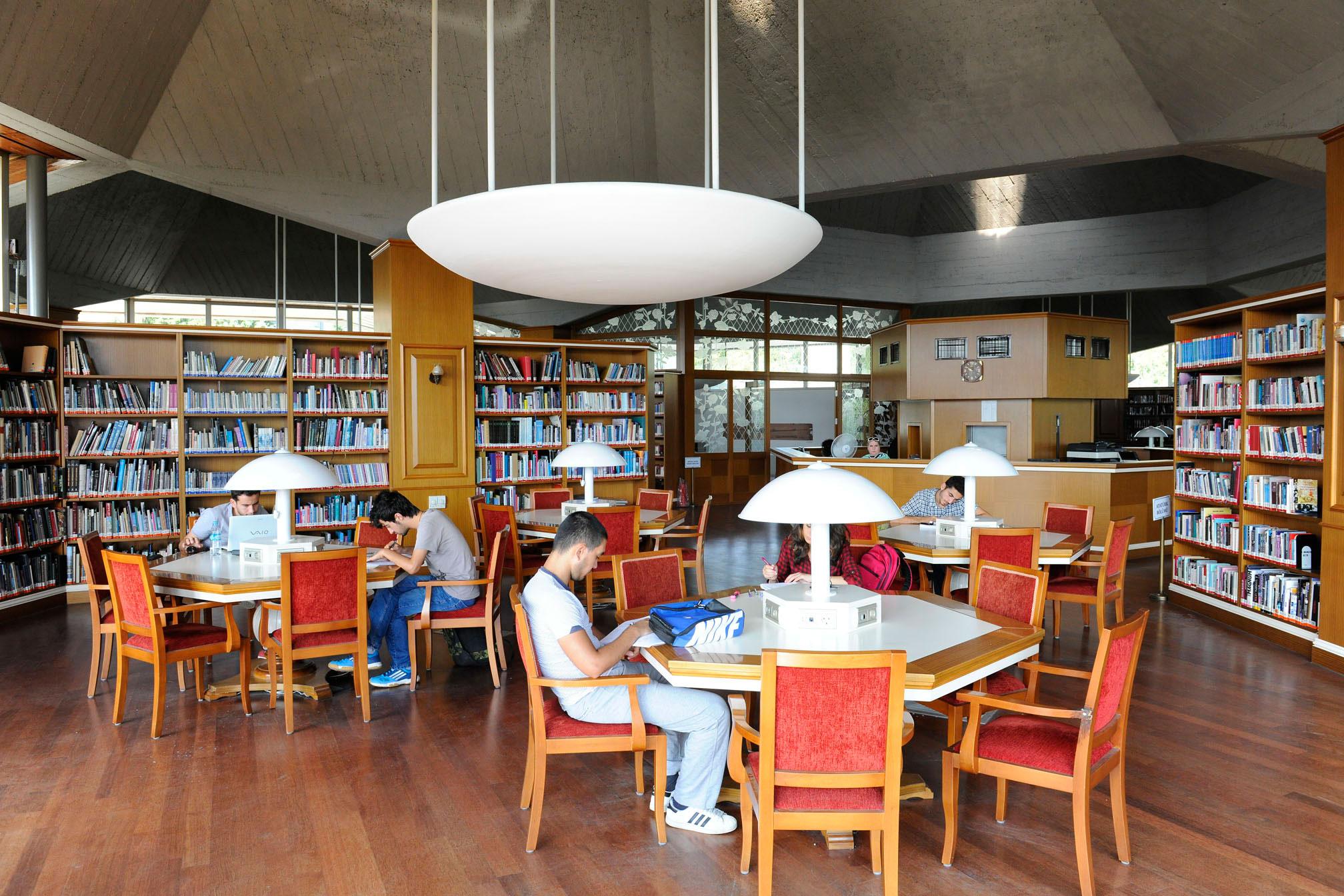 İstanbul 7 gün 24 saat açık kütüphanesine kavuştu