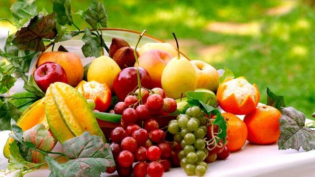 Günlük beslenme düzeninde sağlıklı bitkisel besinleri, rafine edilmemiş tahılları, çiğ (kavrulmamış) kuru yemişleri ve kuru baklagilleri daha çok, h ile ilgili görsel sonucu