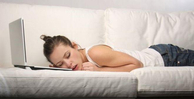 Uykusuzluk çeken teknoloji bağımlılarına 5 öneri