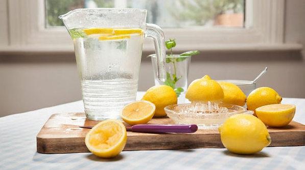 Her güne limonlu suyla başlamak için 20 neden