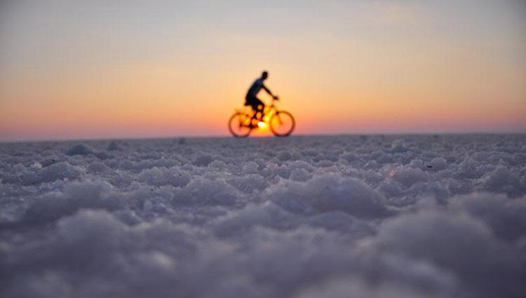 Dolunayı bisikletle karşılayın