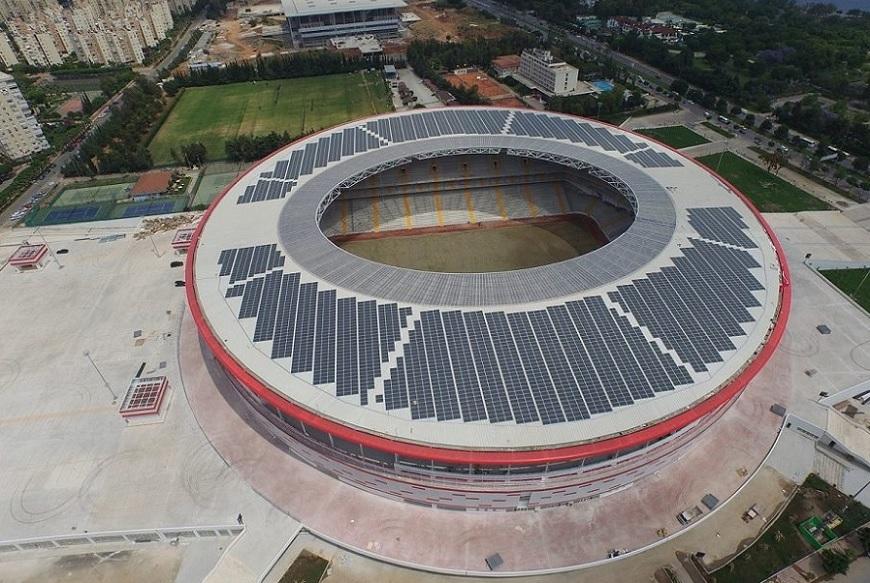 Dünyanın en büyük güneş enerjili stadyumu Antalya'da