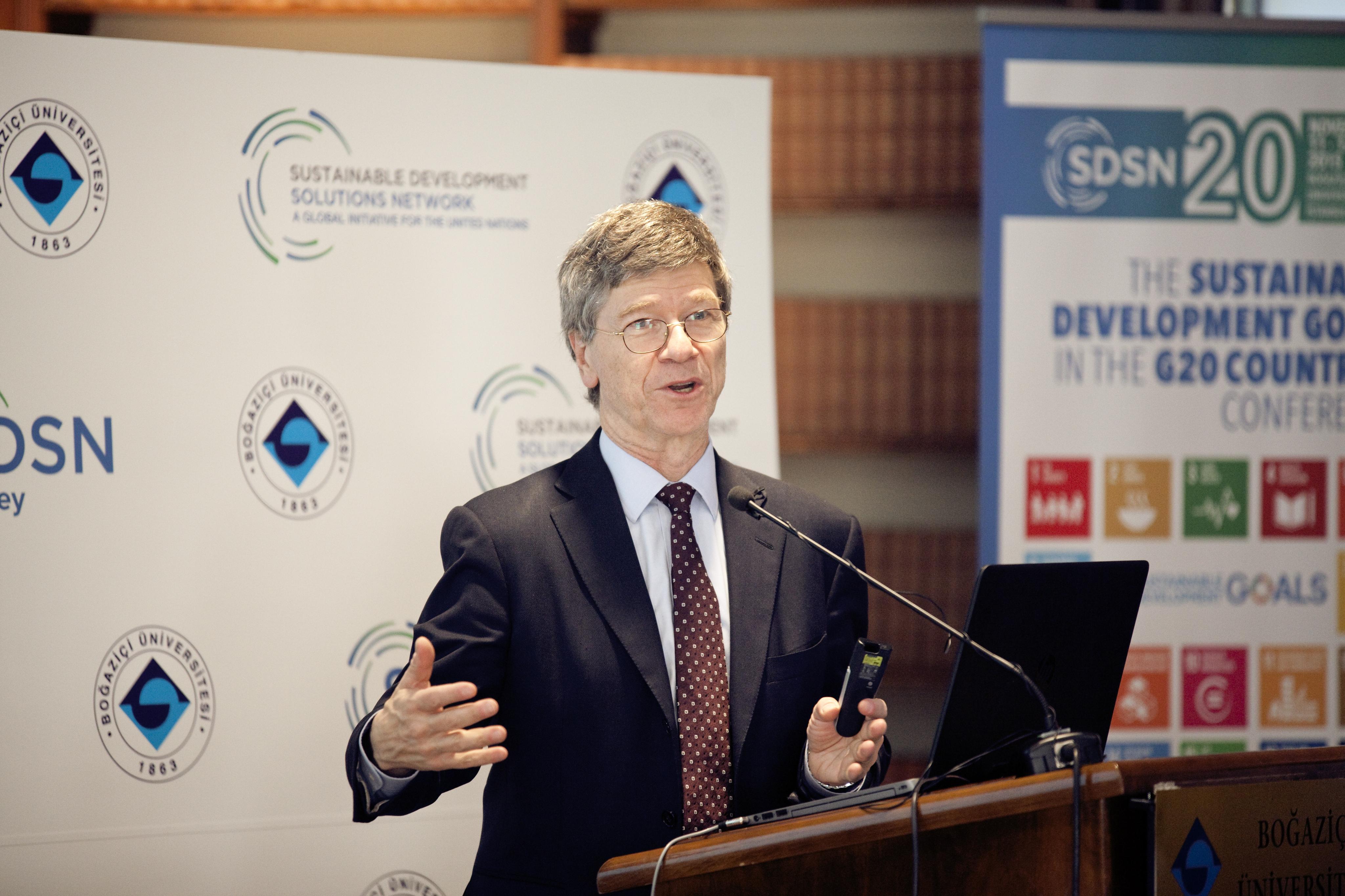 Jeffrey Sachs: Türkiye için kömür santrali kurmak kötü bir strateji