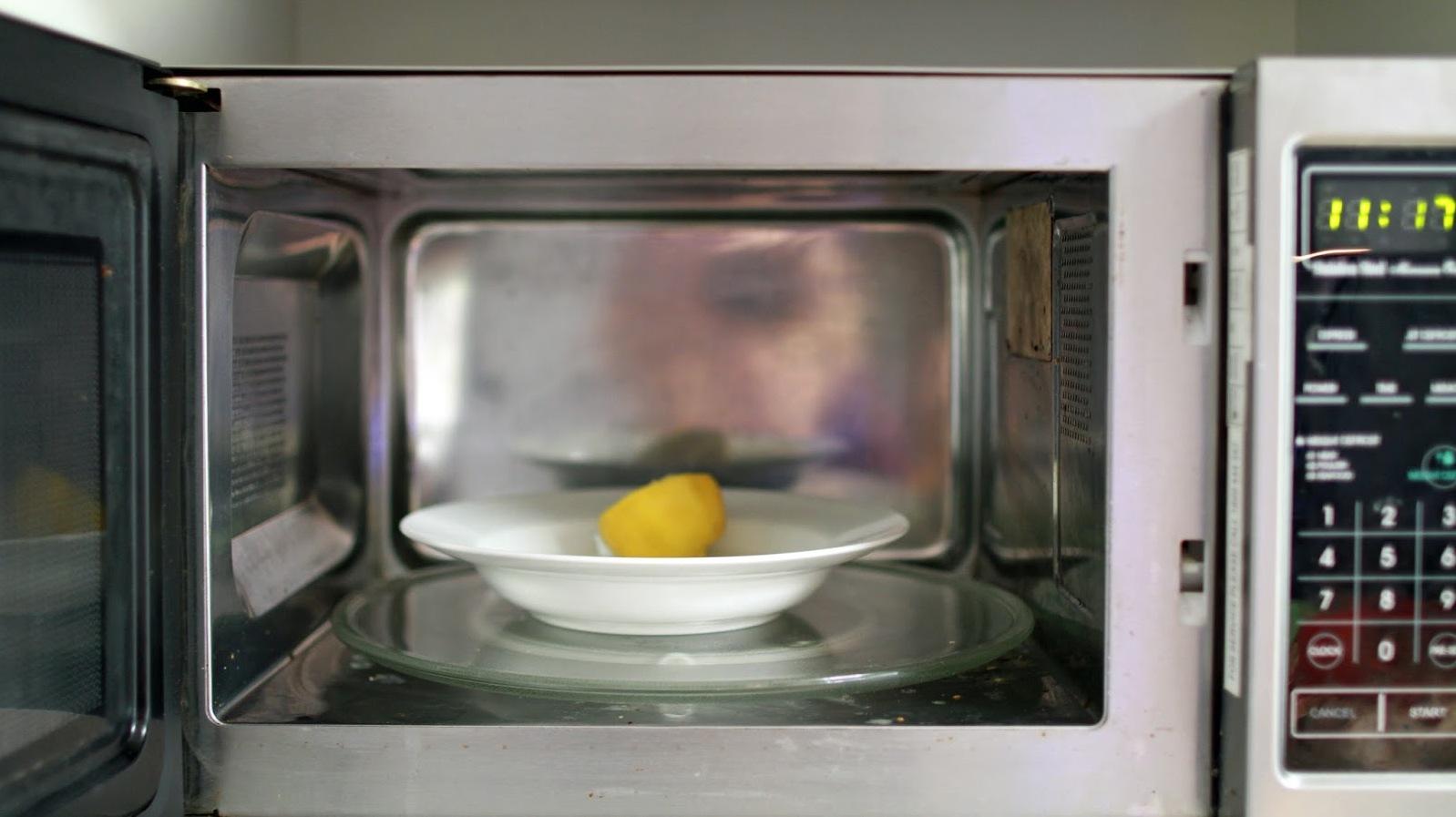 Buzdolabı kokusundan böyle kurtulun