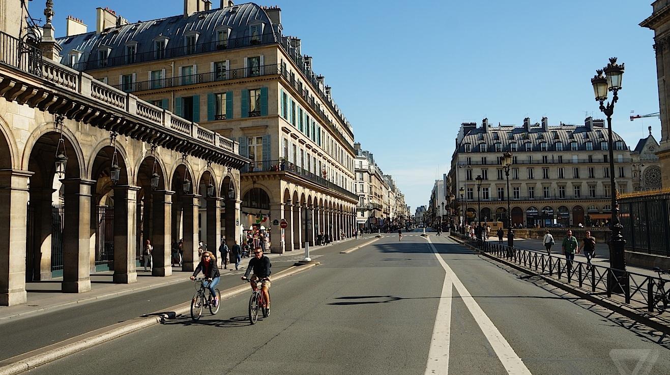 Paris'in arabasız günü