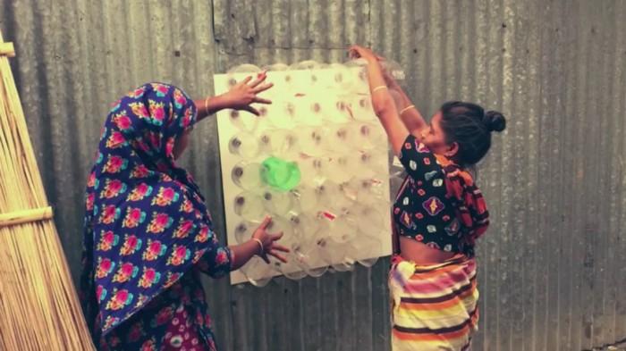 Bangladeş'teki evleri pet şişeden yapılan bu klimalar serinletiyor