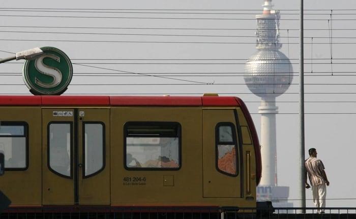 Almanya hava kirliliğini azaltmak için toplu ulaşım hizmetlerini ücretsiz yapmayı planlıyor