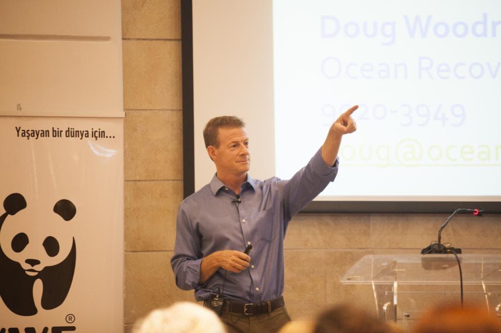 """""""Okyanus gurusu"""" Doug Woodring: Akdeniz'de plastik atıkların sayısı balıklardan şu anda bile fazla olabilir"""