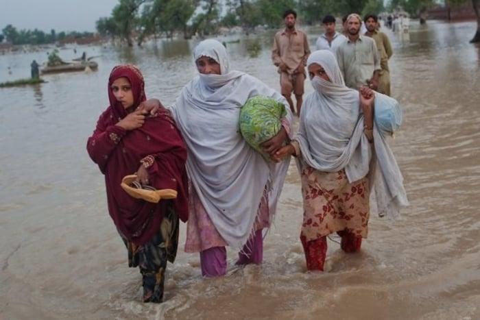 İklim değişikliği ve doğal felaketler kadınları erkeklerden daha çok etkiliyor