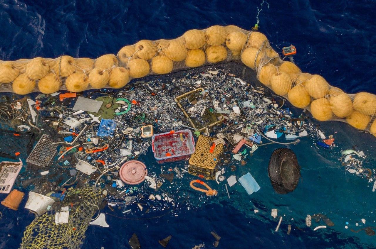 Okyanus temizleme cihazı ilk kez başarıyla çalışmaya başladı