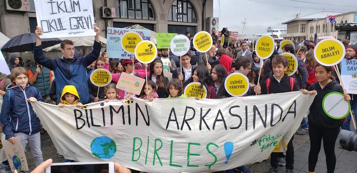 Kara değil Yeşil Cuma: 29 Kasım'da iklim krizine karşı sokağa çağrı