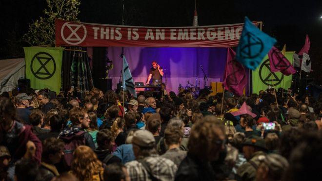 Massive Attack'ten iklim krizi ile mücadeleye destek