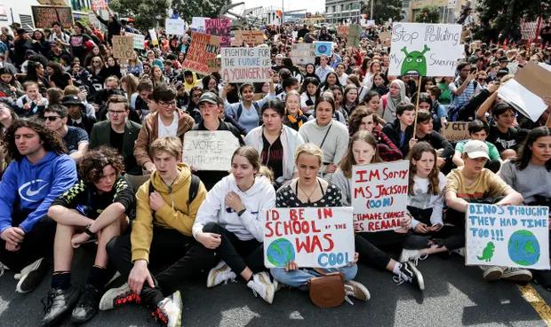 Yeni Zelanda'daki okullarda iklim krizi, aktivizm ve ekolojik kaygı dersleri başlıyor