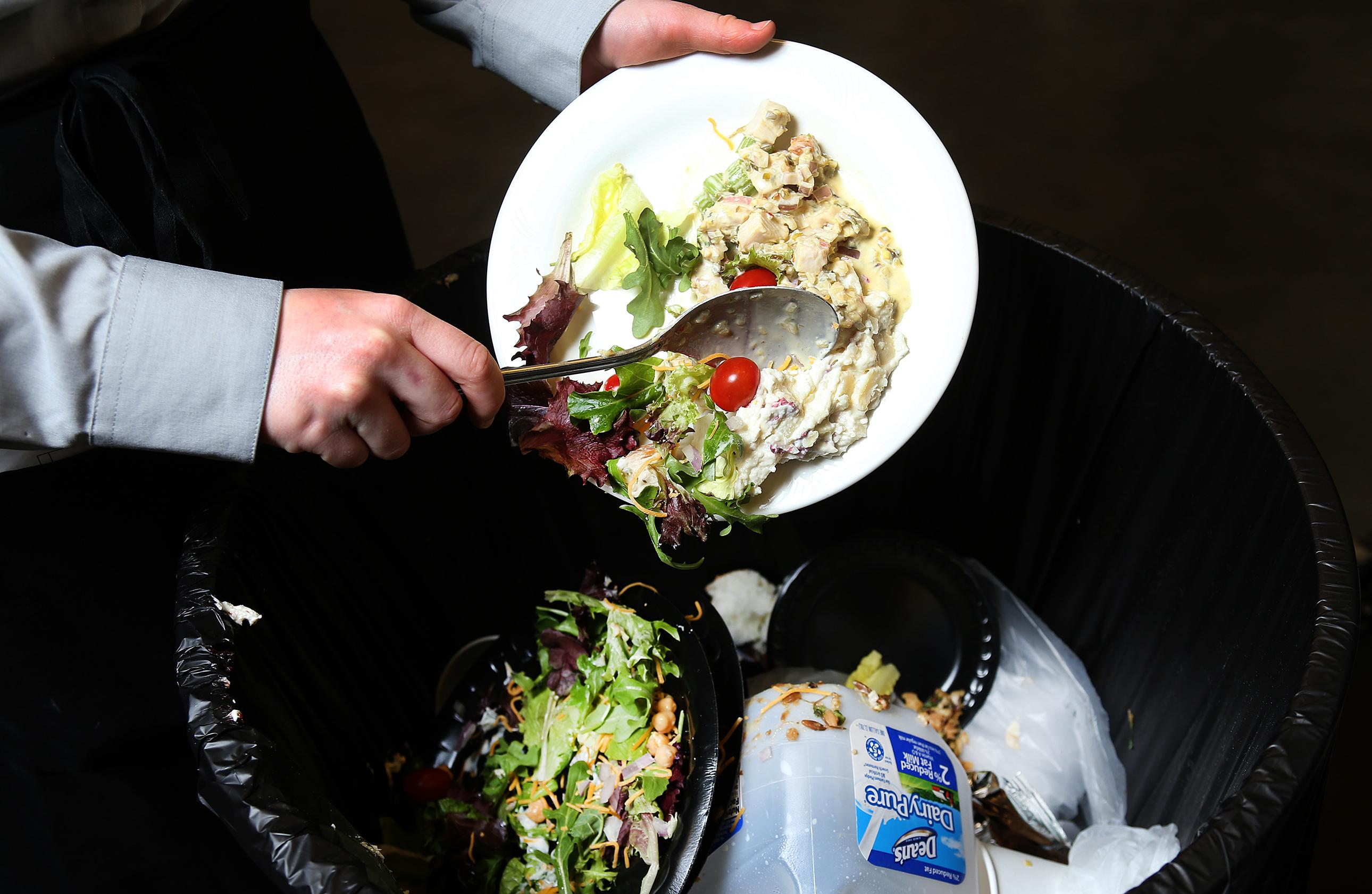 Yılda 214 milyar TL'lik gıda çöpe atıyoruz