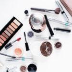 Büyük markaların kozmetik ürünlerinde yaygın olarak teflon bulunuyor