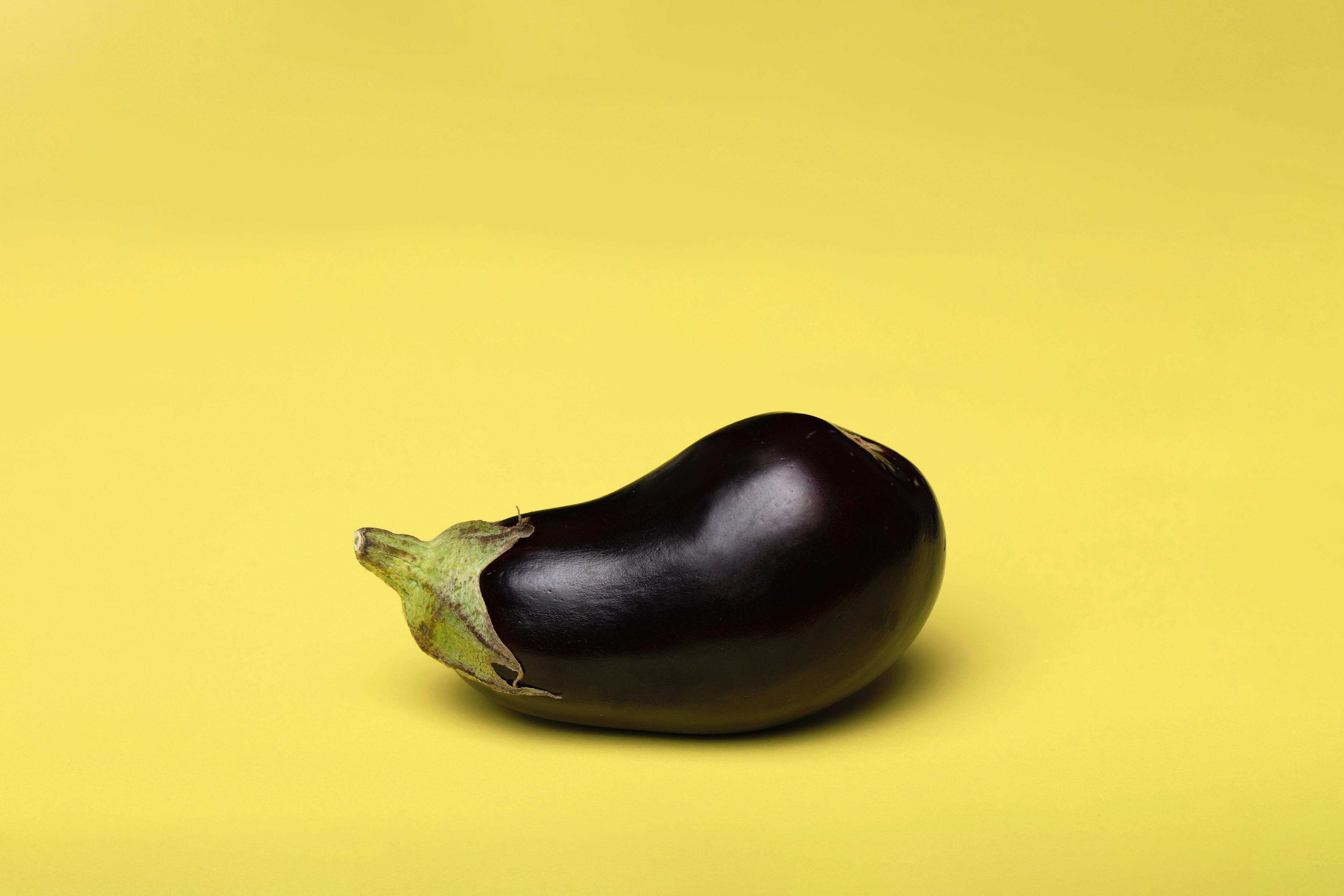Nar ekşili vegan patlıcan